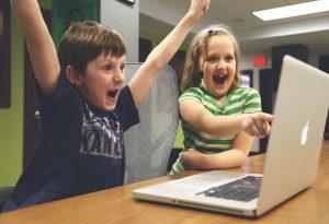 ONF-predlagaet-sozdat-programmu-bezopasnogo-povedenia-detei-v-internete