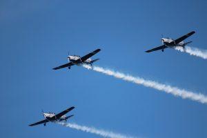 Эскадрилья летит в небе