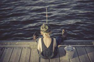 shkolnikov-v-neneckom-okruge-nauchat-lovit-rybu