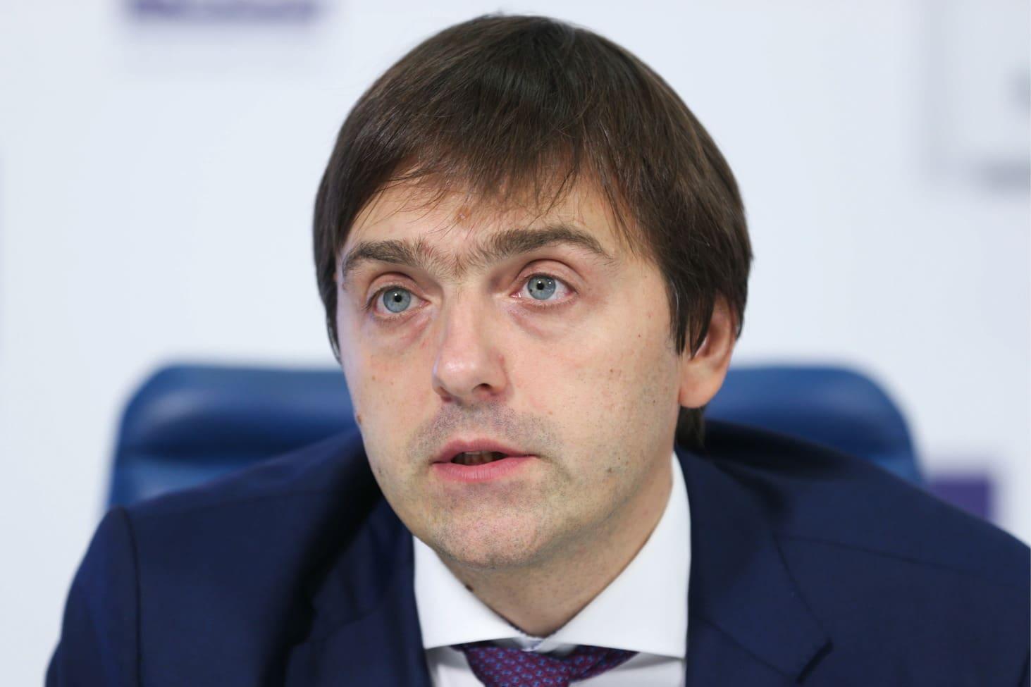 dmitrij-gushhin-posovetoval-sergeyu-kravtsovu-najti-pravilnye-slova-po-povodu-utechki-zadanij-ege
