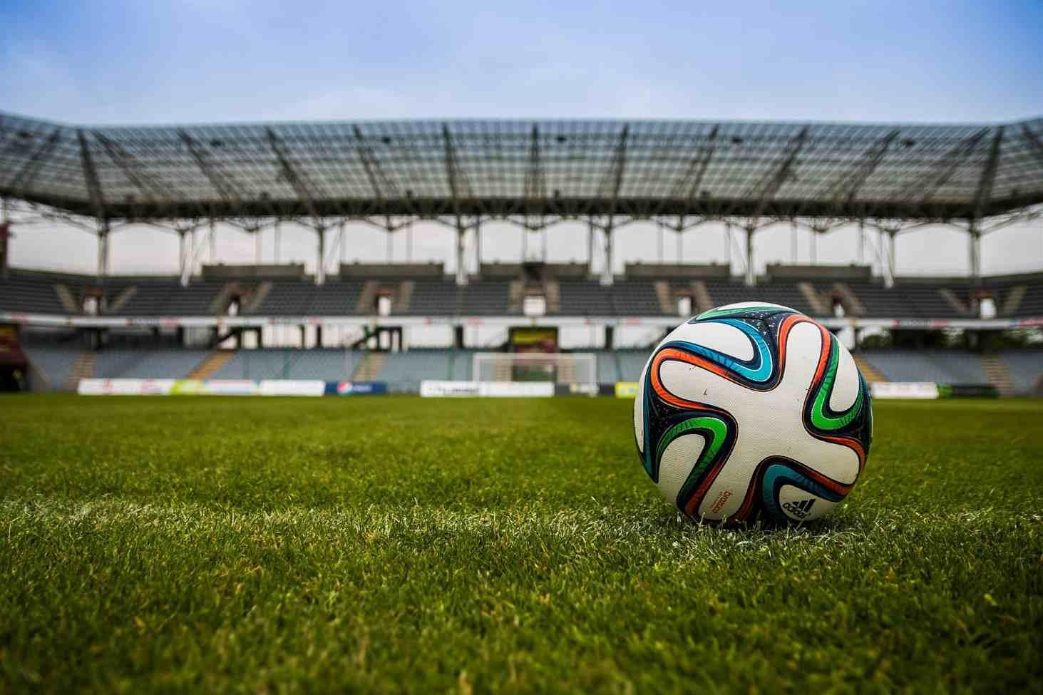 С 2021 года в российских школах будут проходить уроки футбола