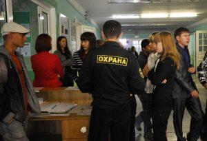 v-rossii-predlozhili-vvesti-dolzhnost-shkolnogo-politsejskogo
