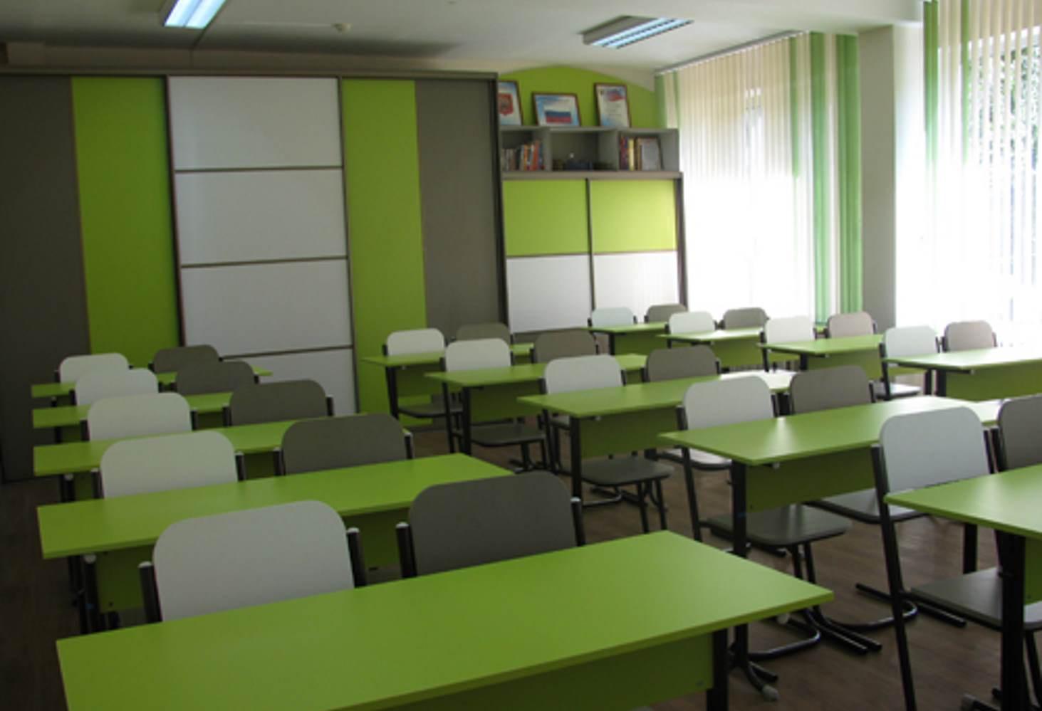 krasnoyarskie-shkoly-sumeli-otuchit-shkolnikov-razrisovyvat-party