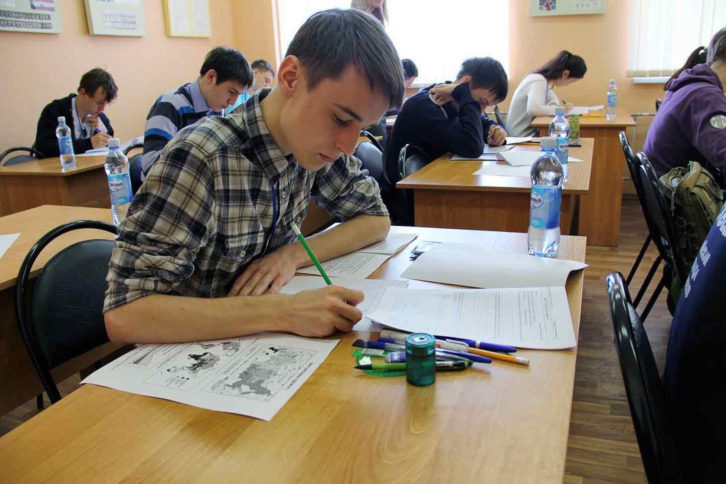 ministerstvo-nauki-sokratit-kolichestvo-olimpiad-shkolnikov-na-chetvert