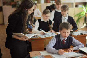 shkolniki-nazvali-cherty-i-navyki-idealnogo-uchitelya