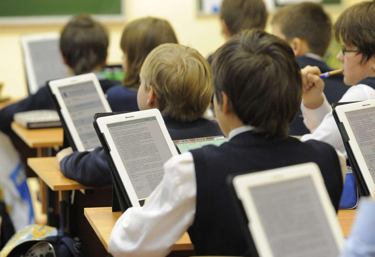 deputat-gosdumy-predlozhil-zapretit-wi-fi-v-shkolah-i-detskih-sadah