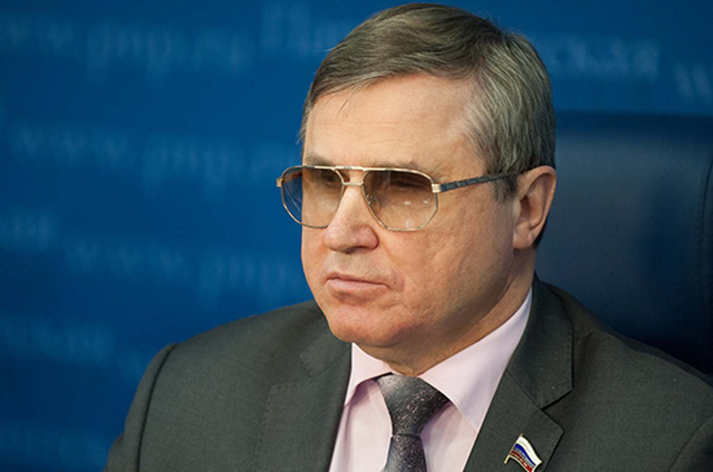deputat-oleg-smolin-nazval-prichiny-rosta-nasiliya-v-shkolah
