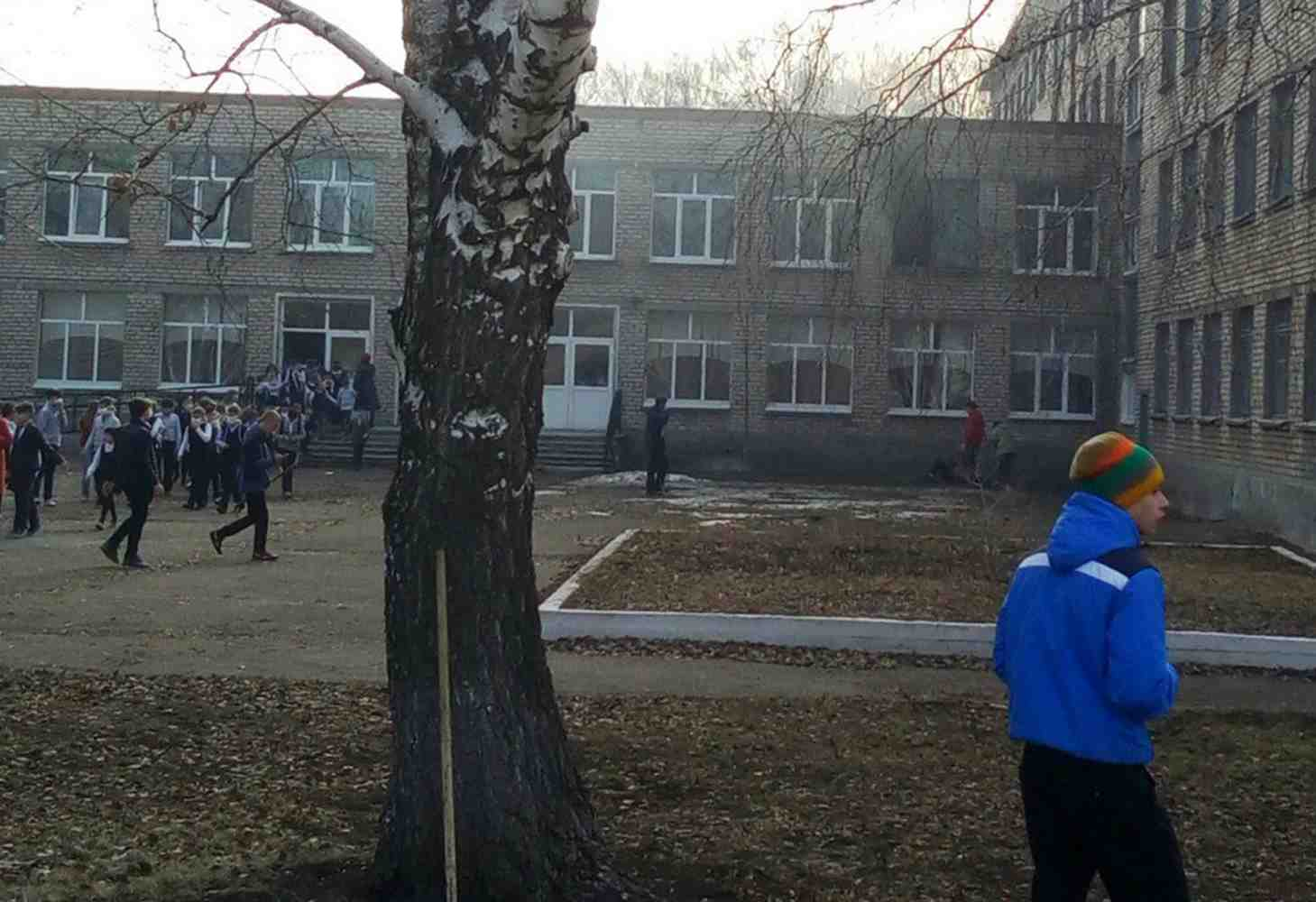 uchitel-obzh-iz-kaliningrada-razrabotal-instruktsiyu-po-vyzhivaniyu-pri-napadenii-na-shkolu