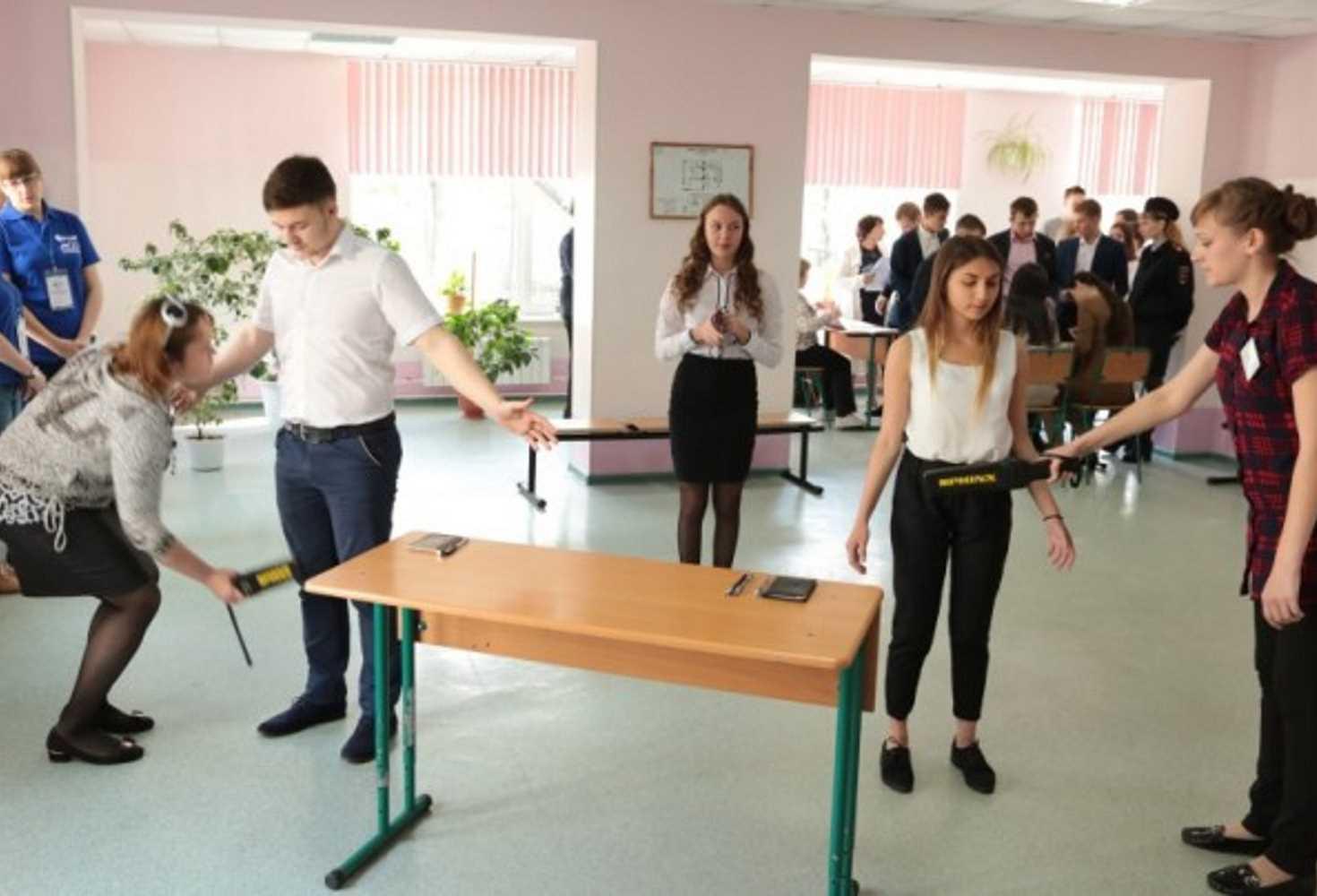 deputat-gosdumy-prizval-ne-dosmatrivat-shkolnikov-pered-sdachej-ege