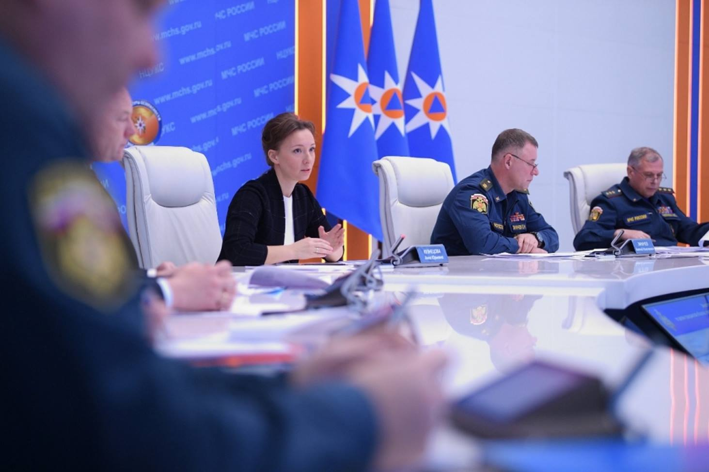 mchs-rossii-i-detskij-ombudsmen-anna-kuznetsova-zapustili-mesyats-bezopasnosti