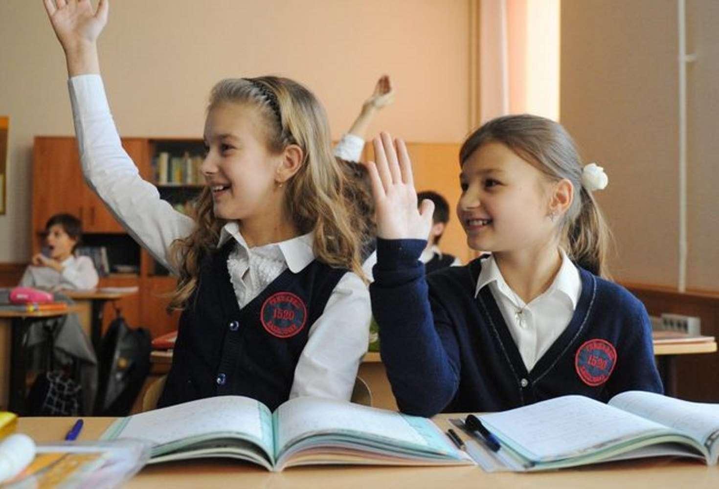 shkolniki-obsudyat-s-deputatami-nedostatki-sistemy-obrazovaniya