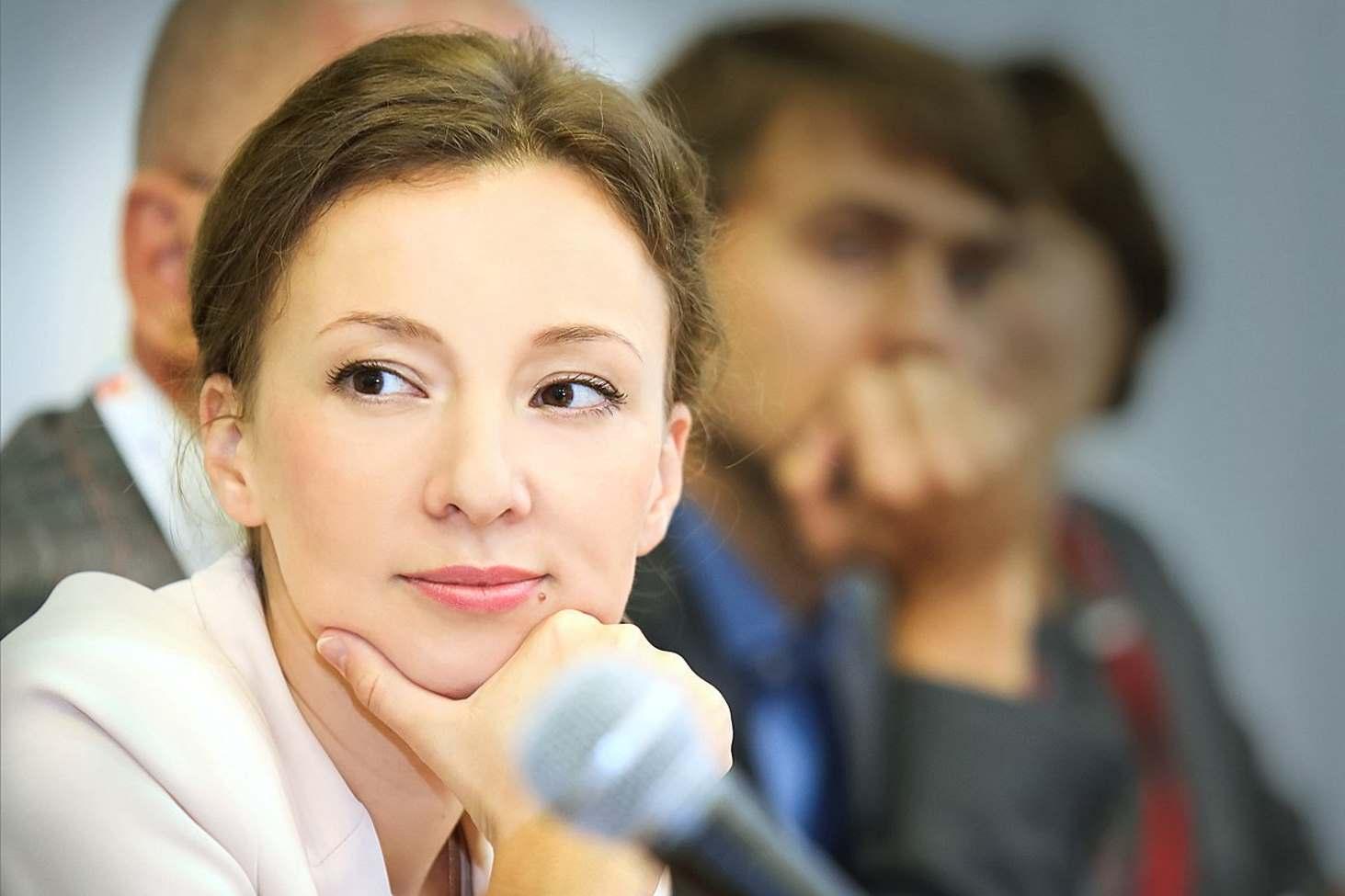 anna-kuznetsova-predlozhila-provesti-masshtabnyj-monitoring-vospitatelnyh-programm-v-shkolah