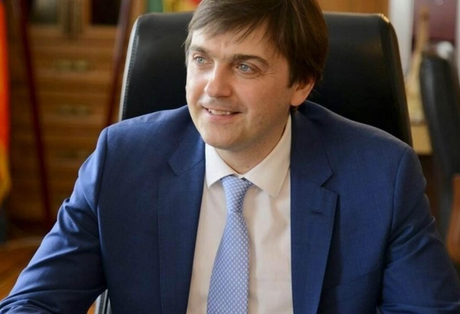 glava-rosobrnadzora-rasskazal-dmitriyu-medvedevu-o-zashhite-zadanij-ege-ot-utechek
