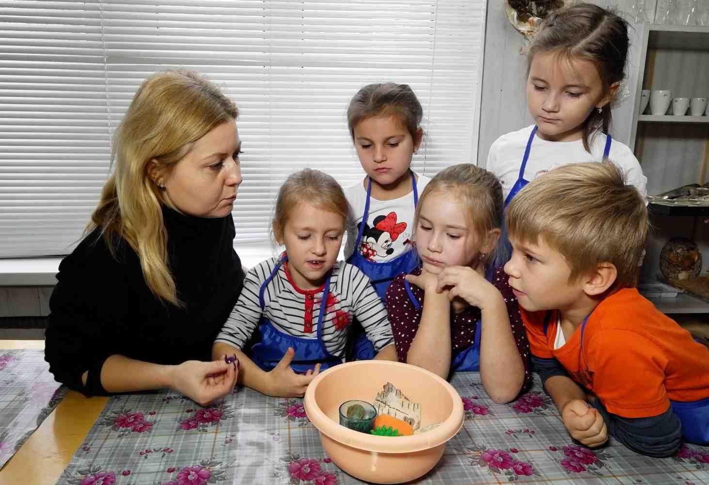 https://edu.gov.ru/press/928/v-rossii-vnedryat-sistemu-ranney-pomoschi-detyam-s-trudnostyami-v-razvitii-i-ih-semyam/