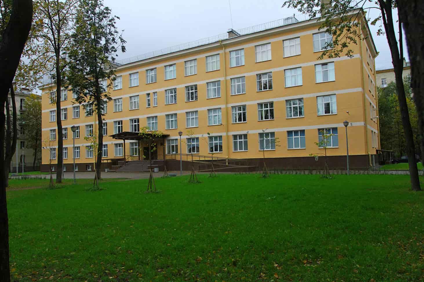 shkoly-v-peterburge-budut-rabotat-sem-dnej-v-nedelyu