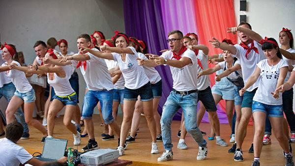 https://gazeta-pedagogov.ru/v-rossii-utverzh…andart-vozhatogo/