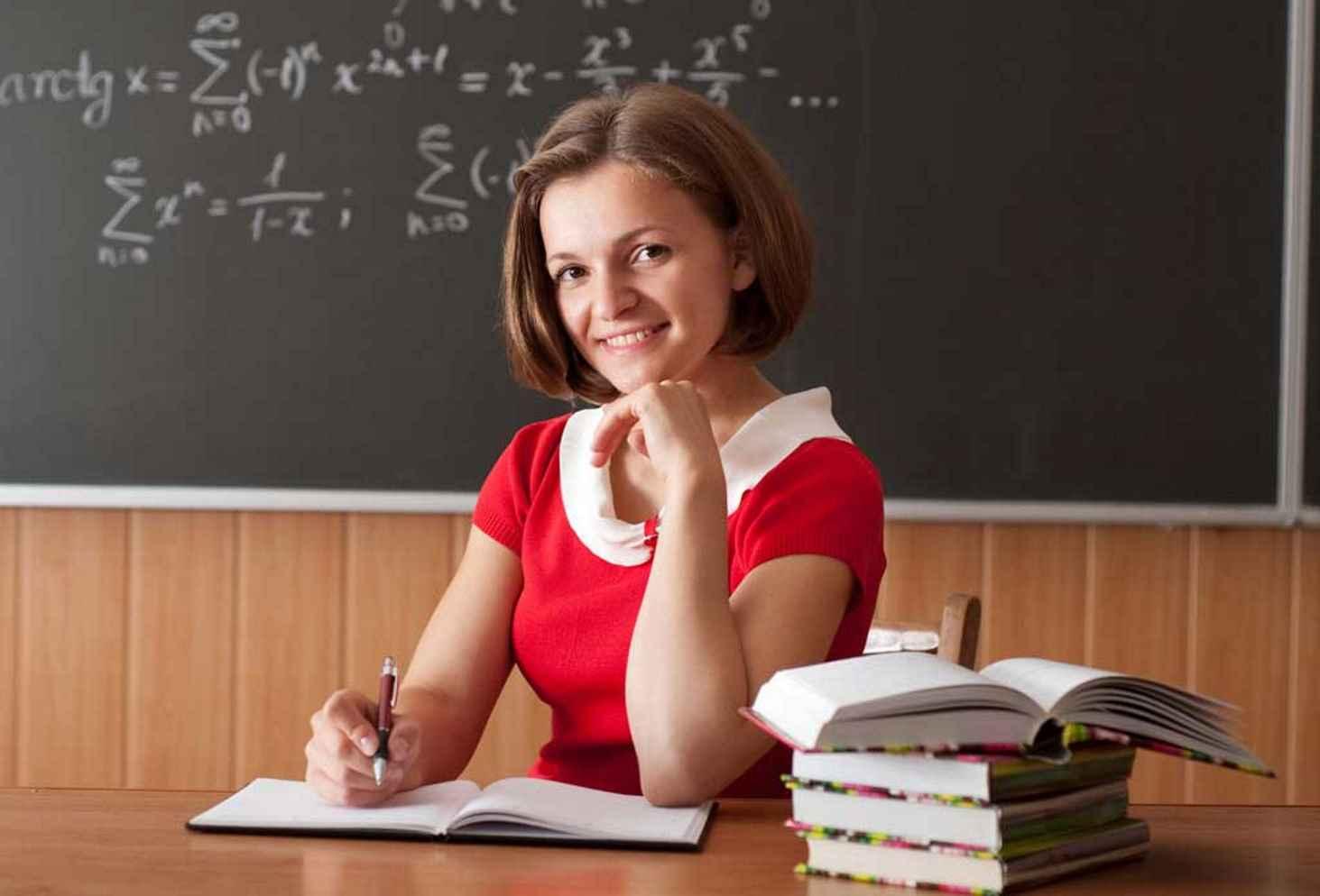 rosstat-bolshe-vsego-zhenshhin-truditsya-v-obrazovanii