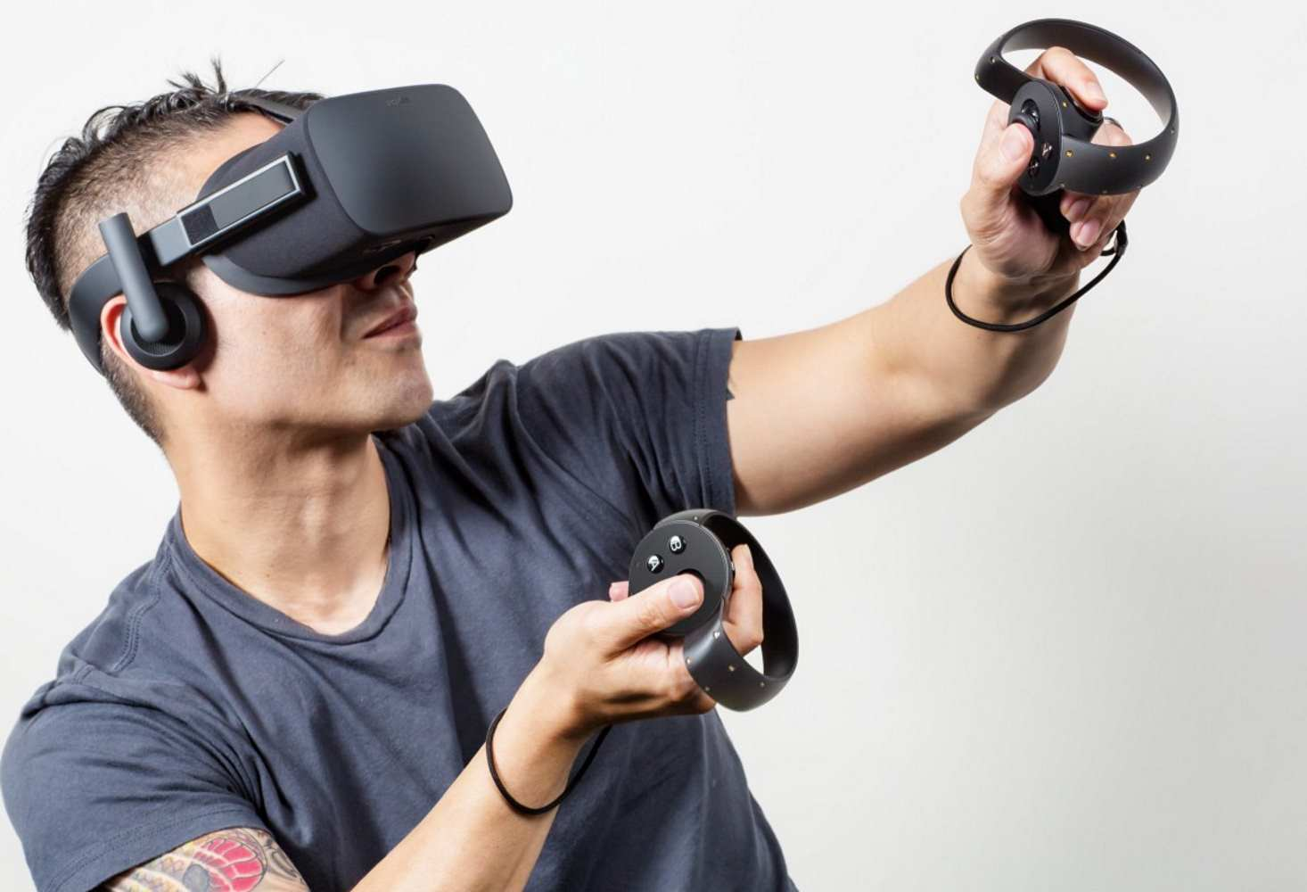 shkolniki-v-stolice-izuchayut-fiziku-pri-pomoshhi-virtualnoj-realnosti