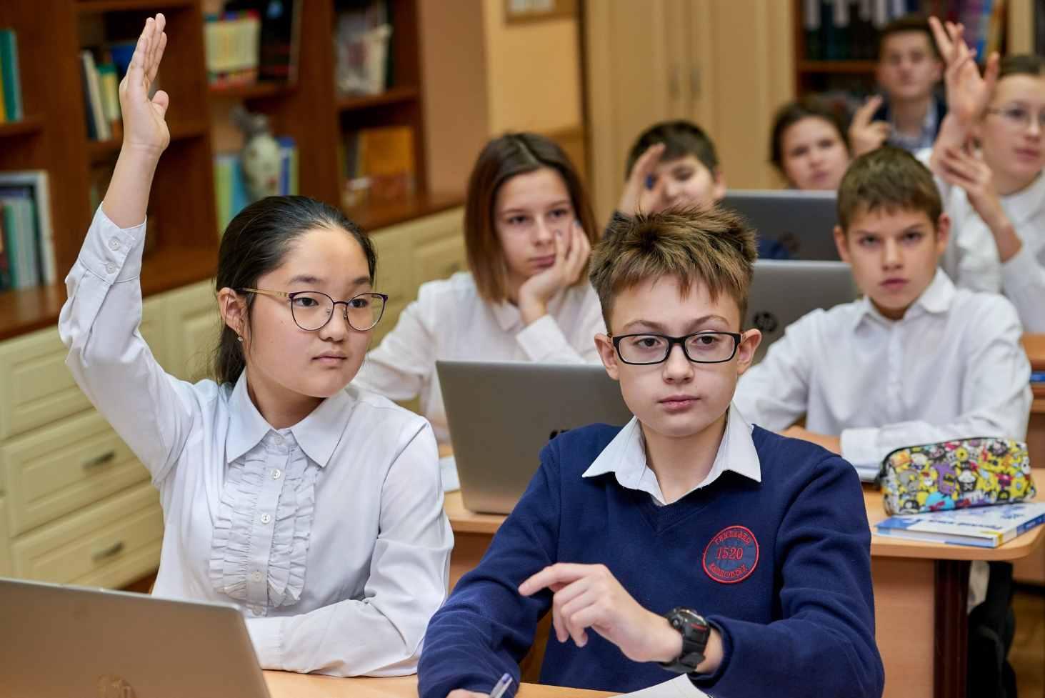deputaty-utverdili-rekomendatsii-po-povysheniyu-kachestva-obrazovaniya-v-rossii