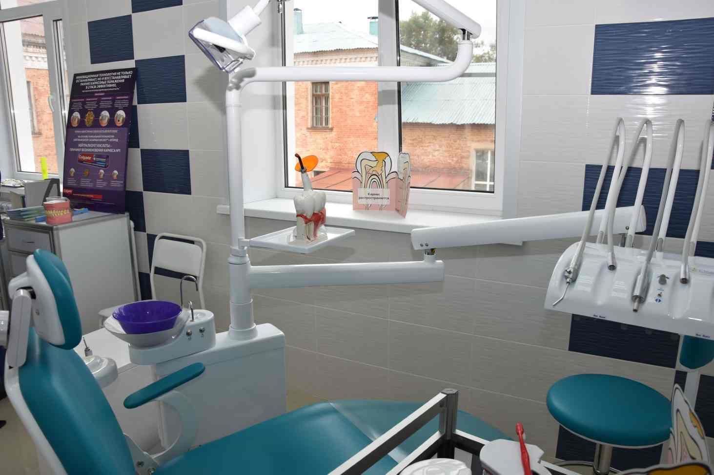v-shkolah-tulskoj-oblasti-oboruduyut-stomatologicheskie-kabinety