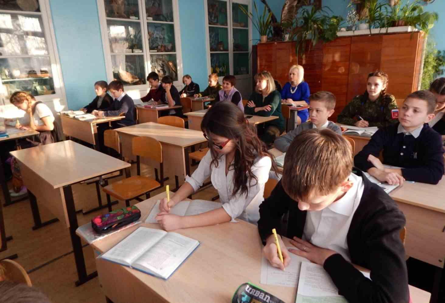 okolo-2-5-tysyach-shkol-rossii-pokazali-neobektivnye-rezultaty-vpr-v-2019-godu