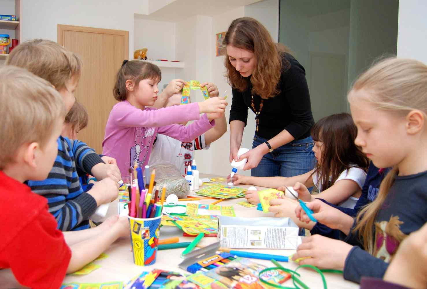 pedagog-dopobrazovaniya-pedagog-defektolog-voshli-v-chislo-samyh-vostrebovannyh-v-rossii