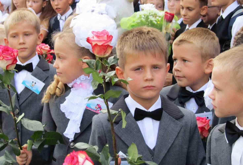 zasluzhennyj-uchitel-rossii-protiv-standartizatsii-shkolnoj-formy