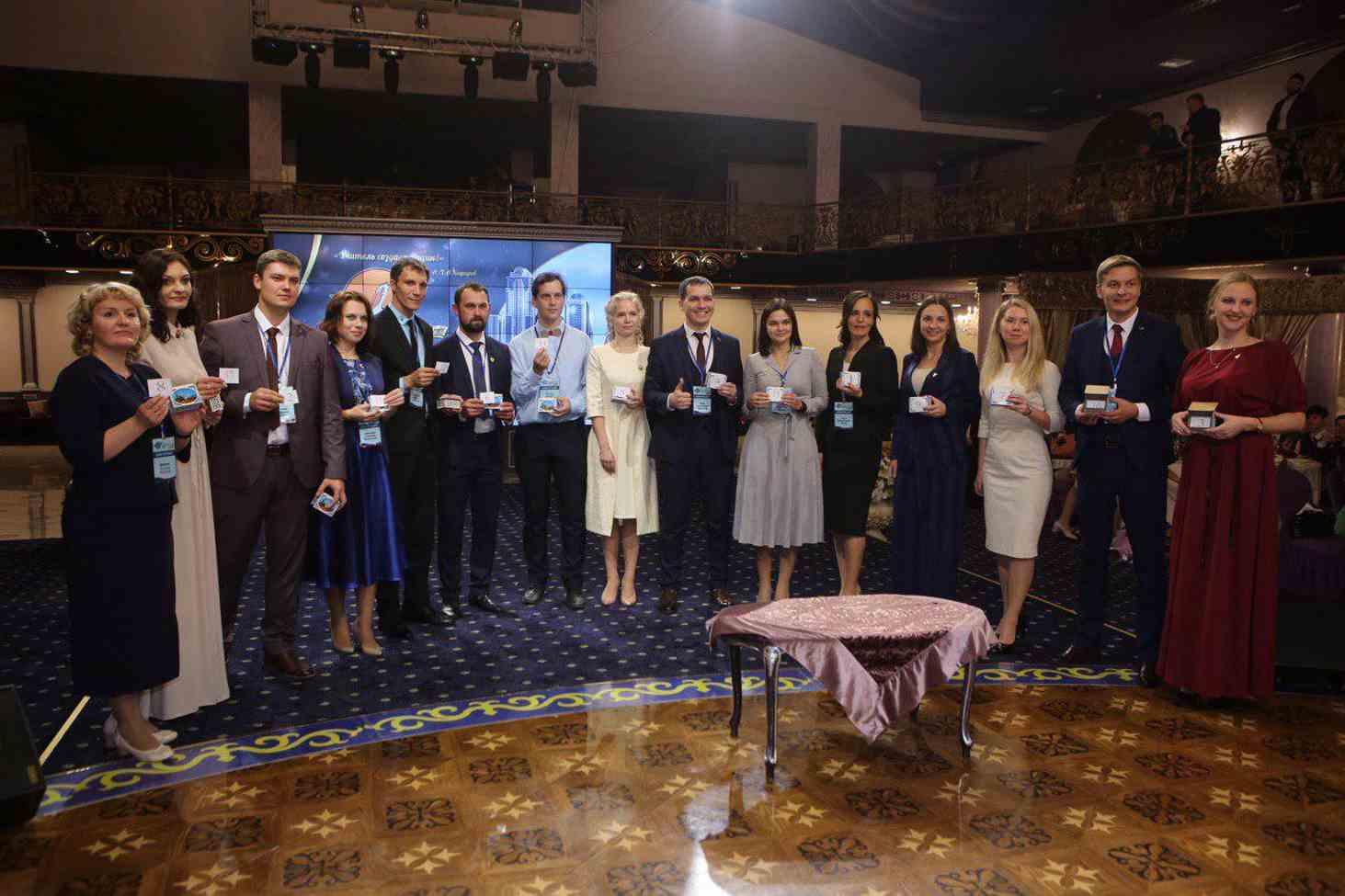 nazvany-imena-15-laureatov-vserossijskogo-konkursa-uchitel-goda-rossii-2019