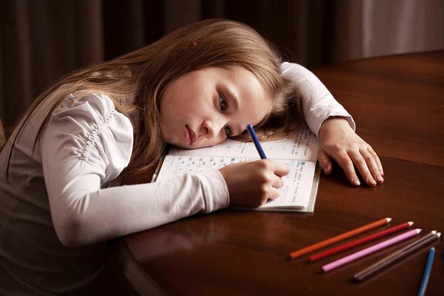 ekspert-nyneshnie-domashnie-zadaniya-razdrazhayut-a-ne-motiviruyut-detej