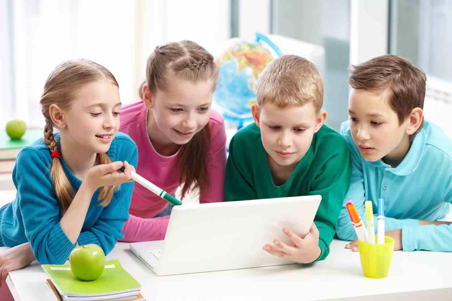 shkolnikov-i-ih-roditelej-priglashayut-prinyat-uchastie-v-oprose