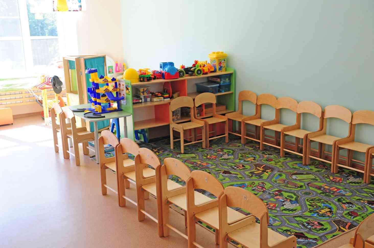 v-rossii-prinyali-zakon-o-prioritetnom-prieme-v-shkoly-detej-iz-odnoj-semi