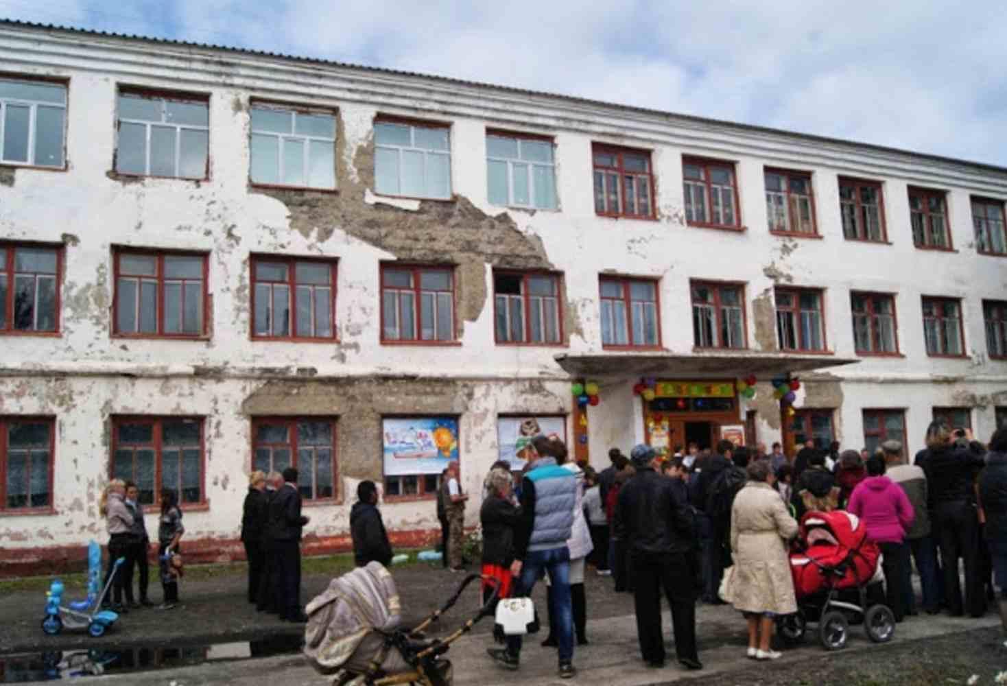 vasileva-60-rossijskih-shkol-razmeshhayutsya-v-vethih-zdaniyah