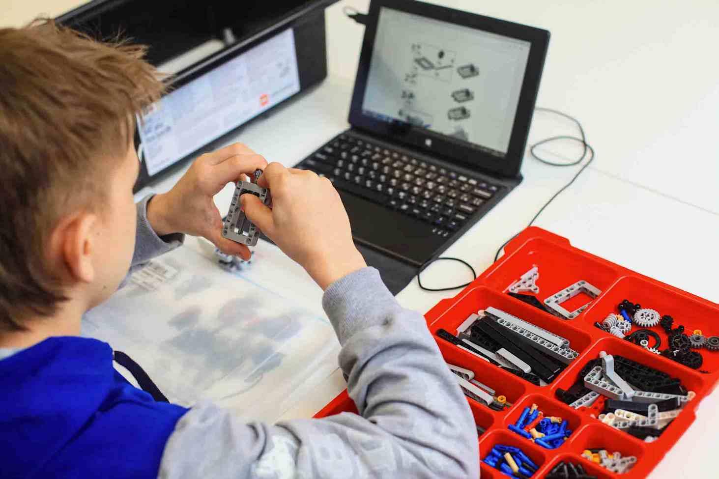 kak-organizovat-proektnuyu-deyatelnost-po-robototehnike-v-shkole