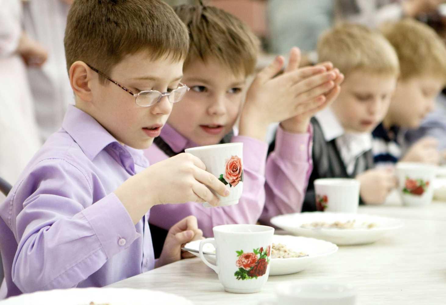 Роспотребнадзор утвердил новые требования к организации питания в школах