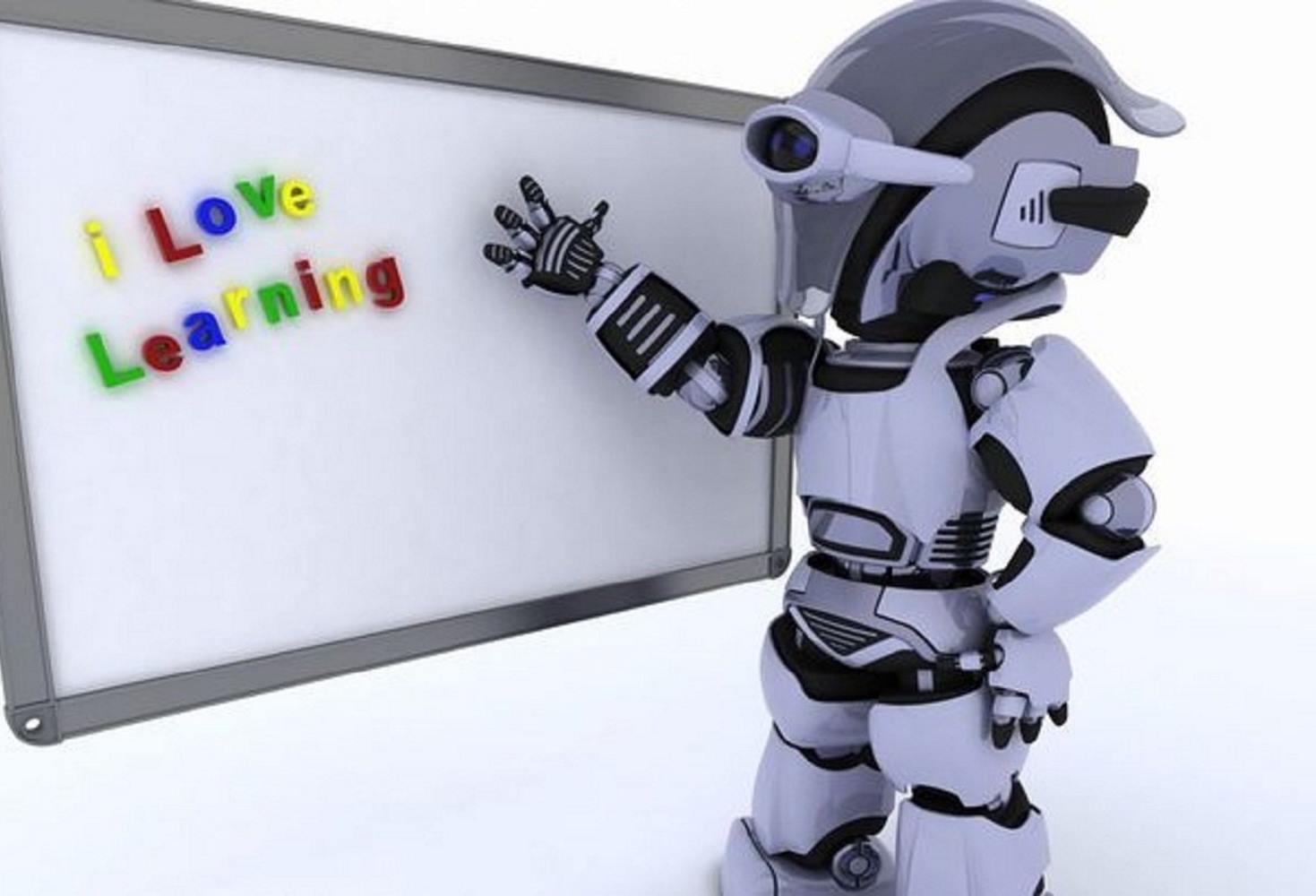 v-odnoj-iz-shkol-yugry-uroki-informatiki-vedet-robot-uchitel