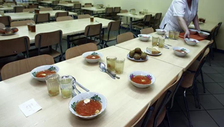 Школьники назвали любимые блюда из школьного меню