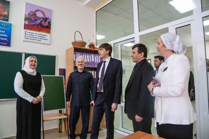 https://gazeta-pedagogov.ru/sergej-kravtsov-…tsionnaya-shkola/