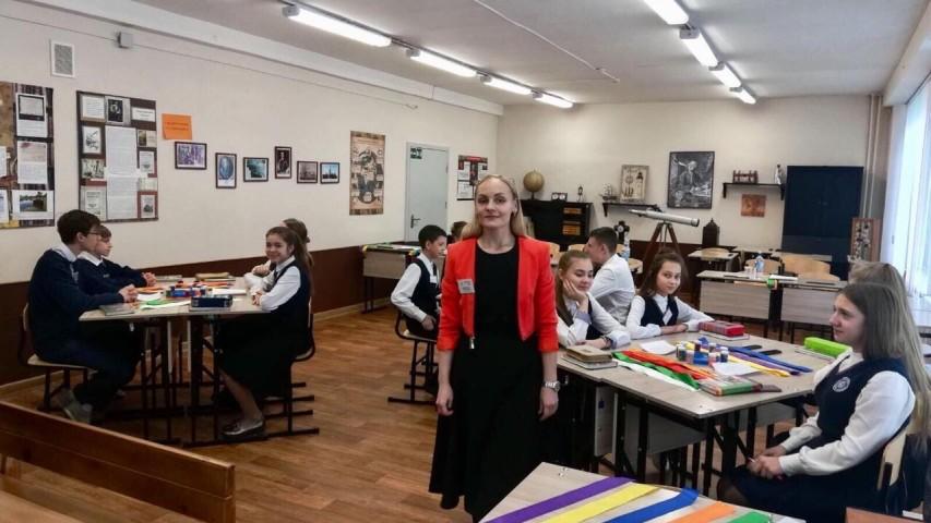 https://gazeta-pedagogov.ru/uchitel-gimnazii…oshhyu-proektora/
