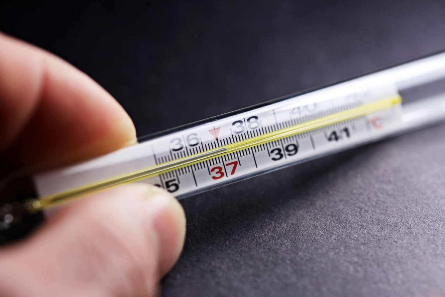 v-moskovskih-shkolah-budut-regulyarno-izmeryat-temperaturu-uchenikov