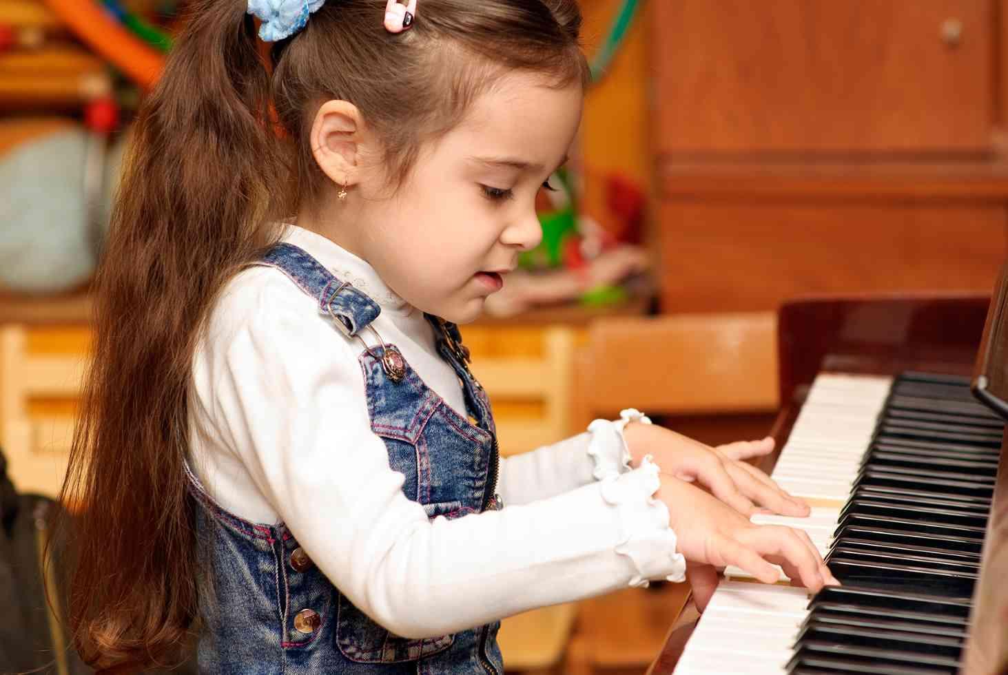 shkolam-rekomendovali-peresmotret-uchebnye-plany-po-fizkulture-muzyke-izo-i-tehnologii