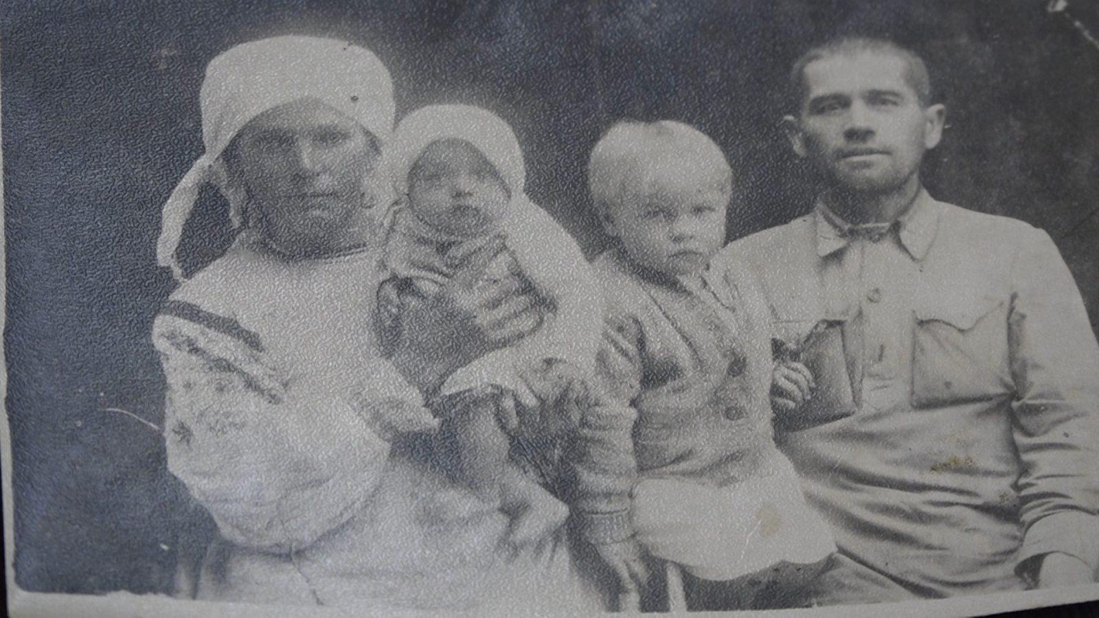 malenkaya-devochka-v-bolshoj-vojne