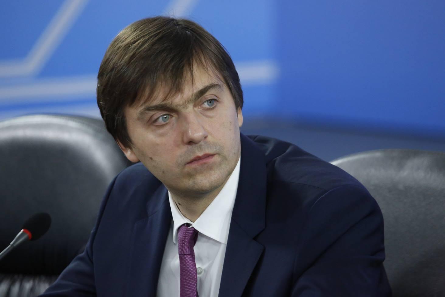ministr-prosveshheniya-sergej-kravtsov-oboznachil-osnovnye-napravleniya-raboty-v-novom-uchebnom-godu