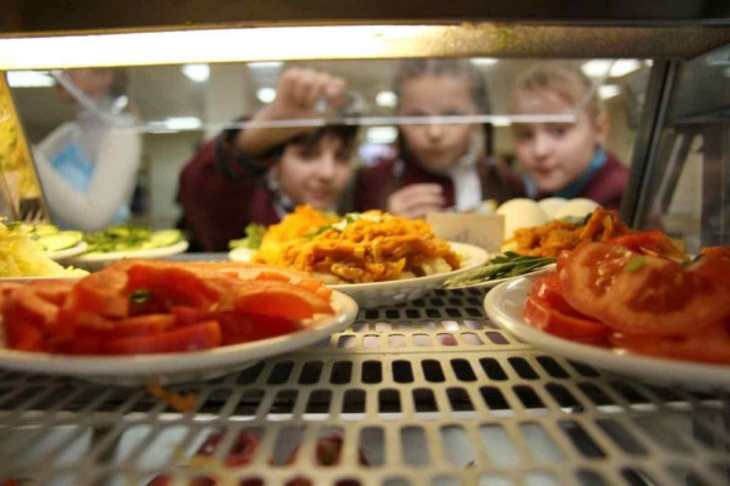 Школьники назвали самые нелюбимые блюда в школьных столовых