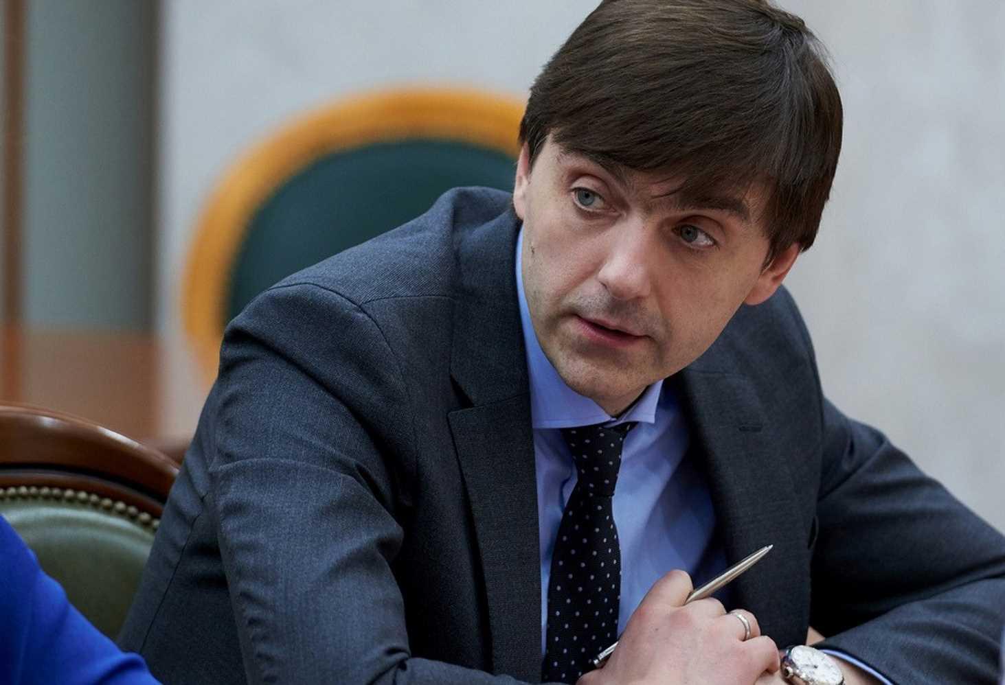 Кравцов: общероссийского перехода на дистант не будет