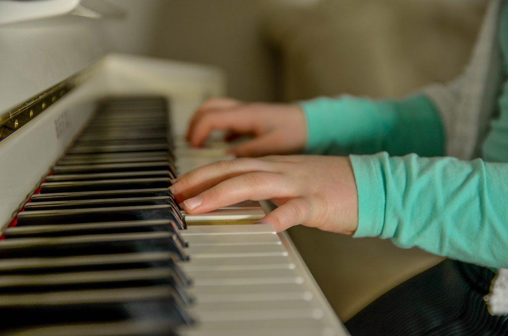 sovremennye-tehnologii-v-muzykalnoj-shkole