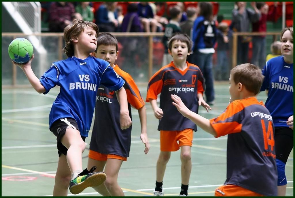 minprosveshheniya-planiruet-podderzhat-razvitie-detsko-yunosheskogo-sporta