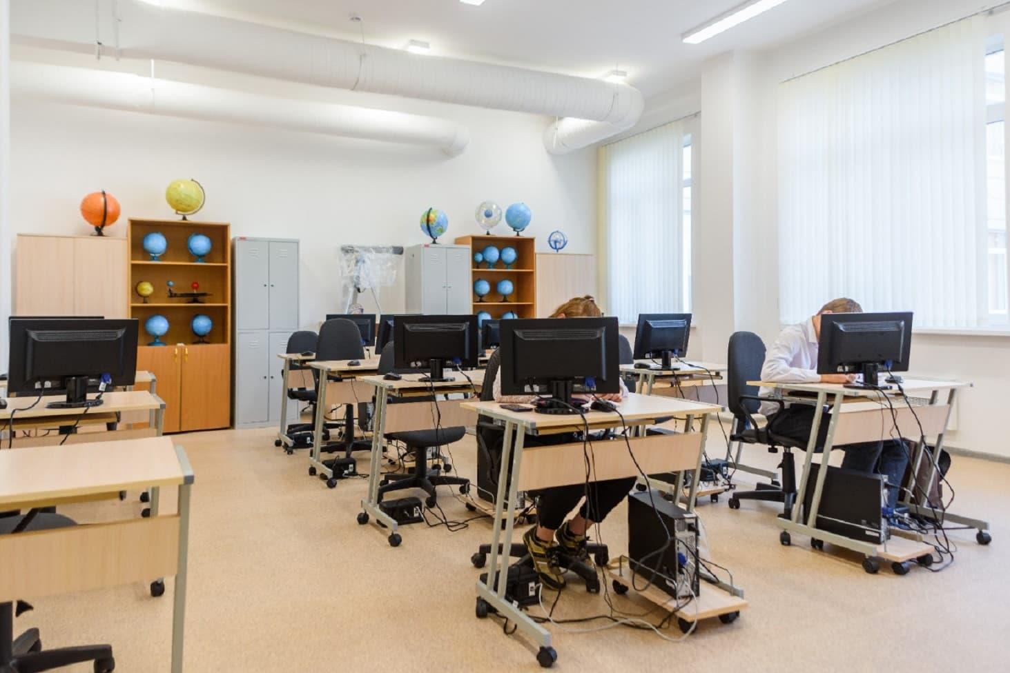 v-rossii-zapuskayut-novuyu-programmu-stroitelstva-shkol