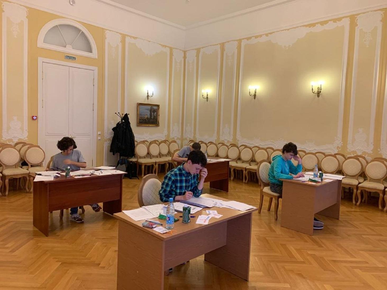 rossijskie-shkolniki-zanyali-pervoe-mesto-na-olimpiade-po-matematike